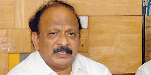 Dissident Karnataka MLA Roshan Baig detained at the airport; CM, BJP target each other