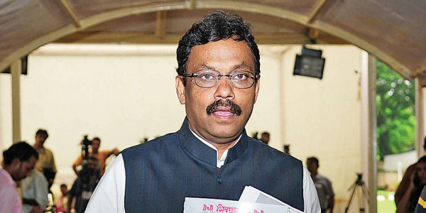 Maharashtra Assembly polls: Dropped names didn't get 'pass' marks in survey