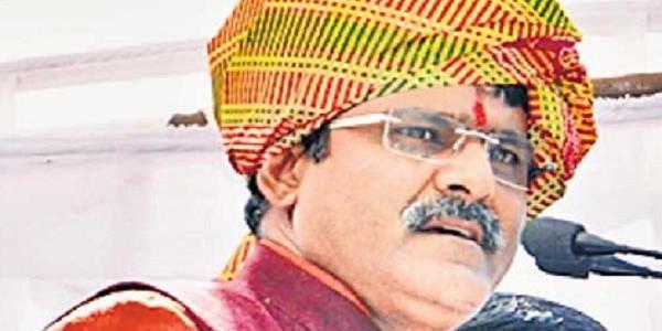 चुनाव से पहले BJP विधायक, नगर अध्यक्ष पर केस दर्ज