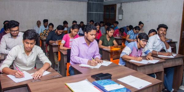 Bengal government for uniform fees for postgraduate courses