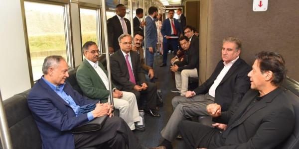 अमेरिका में इमरान की 'अंतरराष्ट्रीय बेइज्जती', मेट्रो में बैठकर पहुंचे होटल