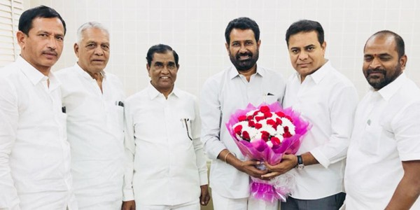 Defections from Congress continues unabated, ex-MLA Prathap Reddy to join TRS