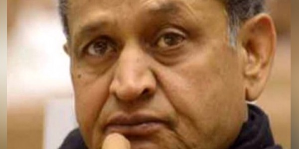 प्रदेश के 6 मंत्री न तो वैभव को जीत दिला सके और न अपनी सीट से कांग्रेस को बढ़त