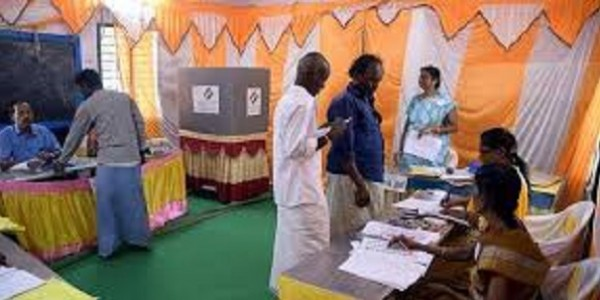 In Tamil Nadu, decked-up model booths a big hit
