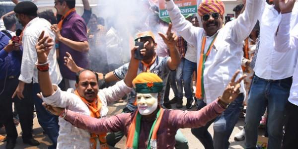 राजस्थान में कांग्रेस का सूपड़ा साफ, 25 सीटों पर भाजपा-गठबंधन आगे
