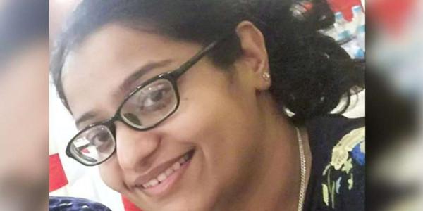 सुर्खियां- महिला रेजीडेंट ने की आत्महत्या, सीनियर्स सवालों के घेरे में, बीजेपी का वाकआउट