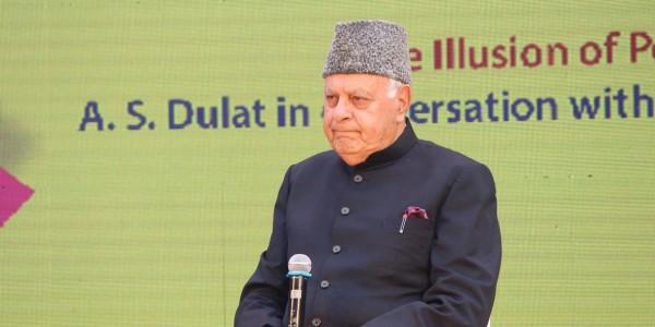 कश्मीर मुद्दे के लिए पाकिस्तान से बातचीत की वकालत, फारूक बोले आतंरिक पक्षकारों से भी हो बात