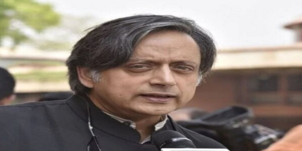 congress-leader-shashi-tharoor-praises-american-mp-criticized-bjp