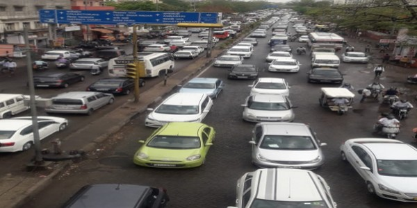 जयपुर में झमाझम बारिश से खुली पोल, सीएम आवास के पास ही भारी ट्रैफिक जाम