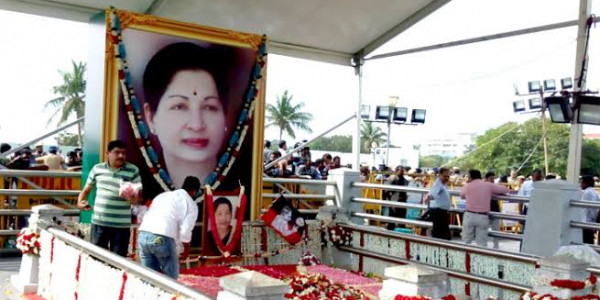 CM Palaniswami Leads a Silent Procession on Jayalalitha's Death Anniversary