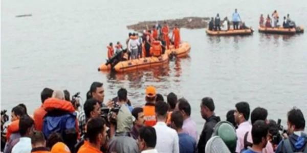 गोदावरी में पलटी नाव: 11 की मौत, PM मोदी ने जताया दुख