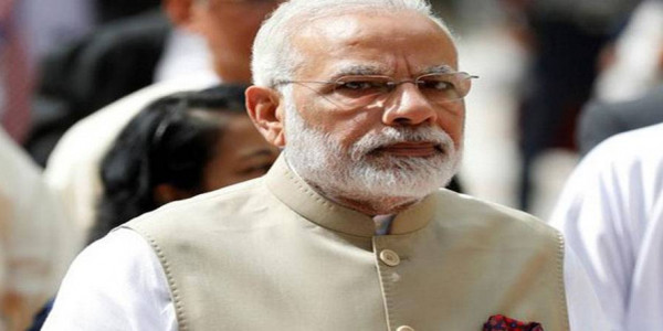 केरल बाढ़ः पीएम नरेंद्र मोदी ने सीएम पिनरई विजयन के साथ की चर्चा