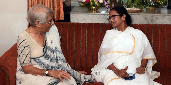 Mamata Banerjee Meets Nobel Winner Abhijit Banerjee's Mother