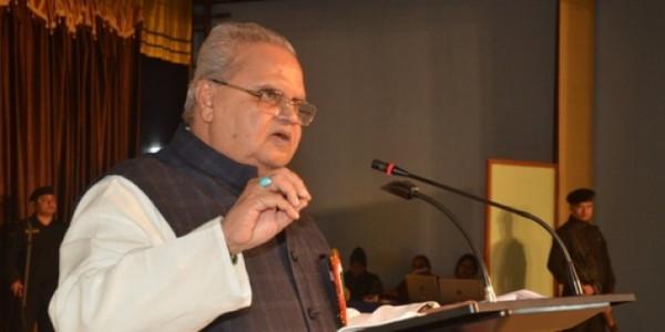 जम्मू-कश्मीर: पहले सरकार ने भगवत गीता, रामयण खरीदने का दिया आदेश, विरोध के बाद यू-टर्न