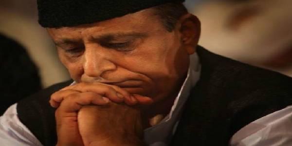 सपा सांसद आजम खान के हमसफर रिजॉर्ट पर छापा, पकड़ी गई बिजली चोरी