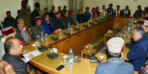 हिमाचल BJP की बैठक: इंदु गोस्वामी रहीं नदारद, रमेश ध्वाला पहुंचे