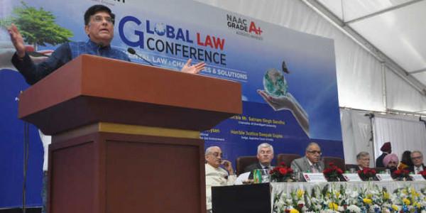 चंडीगढ़ यूनिवर्सिटी में हुई ग्लोबल लॉ कान्फ्रेंस में बोले पीयूष गोयल, देश की मजबूत आर्थिकता भविष्य में सहायक होगी