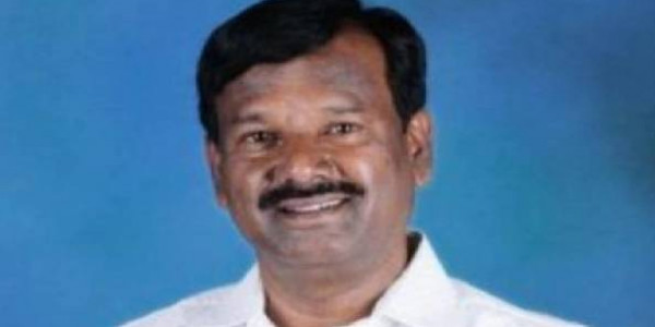 Villagers stops Dalit MP from entering into village
