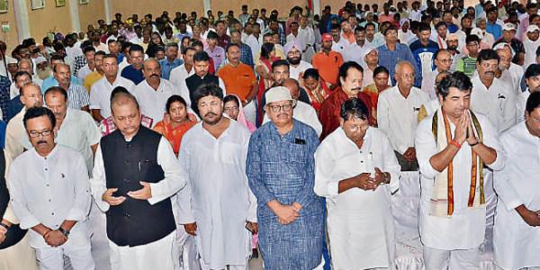 कांग्रेस के सद्भावना दिवस पर धर्म गुरुओं ने करायी प्रार्थना, कहा- देश को गलत हाथों से निकालो