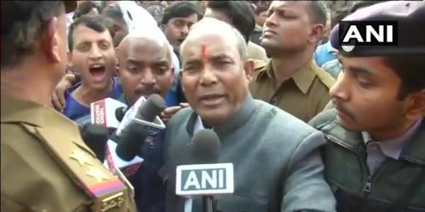 भाजपा विधायक के बिगड़े बोल, 'गरीबों के सहारे ही चलती हैं दारु की दुकानें, वहां अमीर नहीं दिखते'