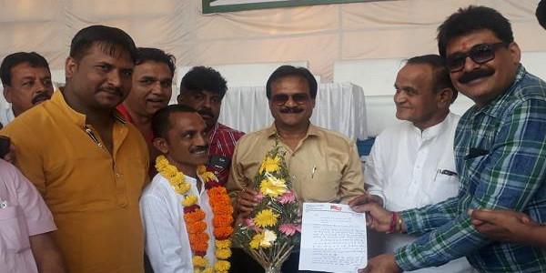 CM शिवराज के गृह जिले में BJP को झटका, यह नेता हुए कांग्रेस में शामिल