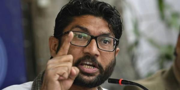 बिहार: जिग्नेश मेवाणी ने पूछा- जब गुजरात में बिहारी पीटे जा रहे थे तो चौकीदार चुप क्यों थे?