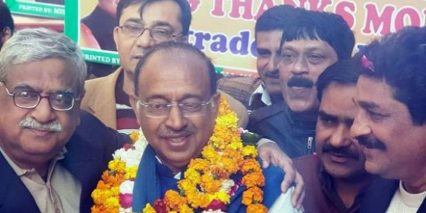 bjp-leader-and-union-minister-vijay-goel-meets-delhi-businessman