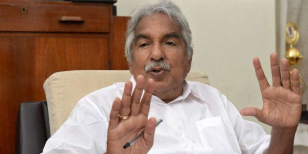 Oommen Chandy wants PM's convention on Kerala priest