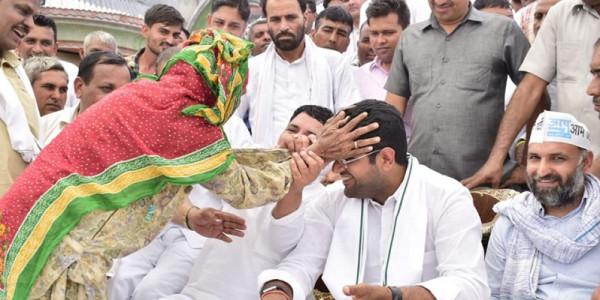देहात का राज वापिस लाने के लिए 'दुष्यंत चले गांव-चौपाल', हर दिन 8 गांवों में करेंगे जनजागरण