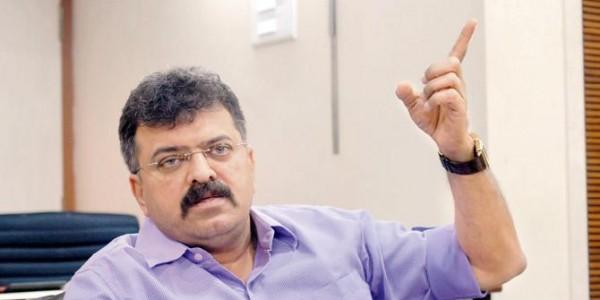 BJP-शिवसेना ने महाराष्ट्र में एक दूसरे के कपड़े छीने और नंगे हो गए: जितेंद्र अव्हाड