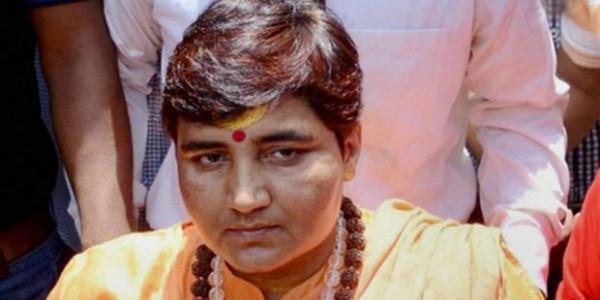 'दुर्गा प्रतिमाओं' पर साध्वी प्रज्ञा की दो टूक- सिर्फ हिंदू त्योहारों को टारगेट करना बंद करें