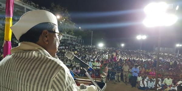 सिद्धारमैया की PM Modi को चुनौती, येदियुरप्पा की उपलब्धियों पर 15 मिनट बोलकर दिखाएं