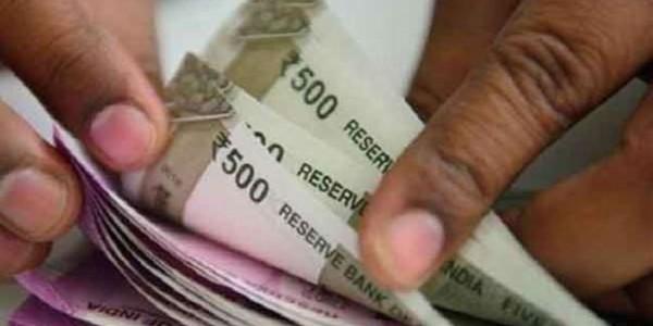 कर्मचारियों ने बजट में करवा दिया अतिरिक्त वेतन का प्रावधान, वित्त मंत्री बोले- जानकारी नहीं