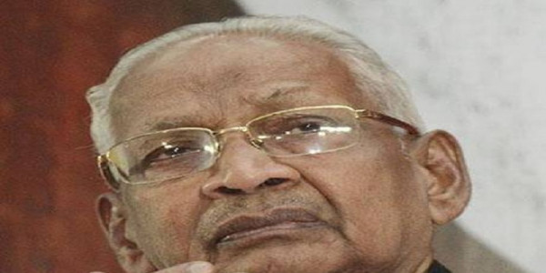 DK hails Stalin's stand on Rahul