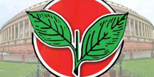 AIADMK functionary attacked