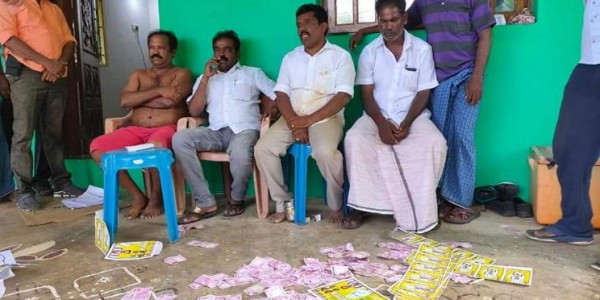 Villagers boycotting Nanguneri bye-polls seize 'cash for votes' from DMK-Cong cadre