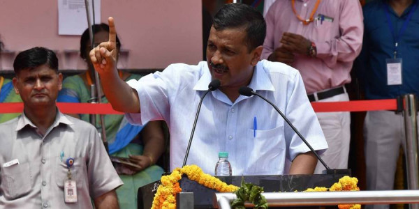 केरल बाढ़ः अरविंद कजेरीवाल ने कहा, AAP पार्टी के सभी MLA, MP पीड़ितों के लिए दान करें एक महीने की सैलरी