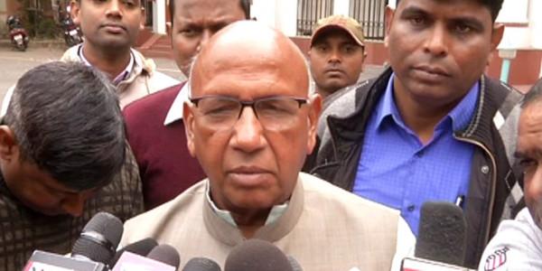 झारखंड सरकार में दिग्गज भाजपा नेता ने इस्तीफा पेश किया