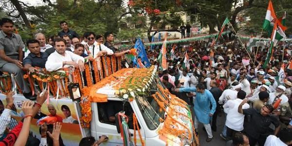 बिहारी बाबू के लिए राहुल गांधी ने पटना में किया रोड शो, भाजपा के रविशंकर प्रसाद से है मुकाबला