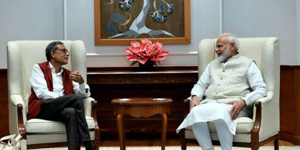 प्रधानमंत्री नरेंद्र मोदी से मिले नोबेल विजेता अभिजीत बनर्जी