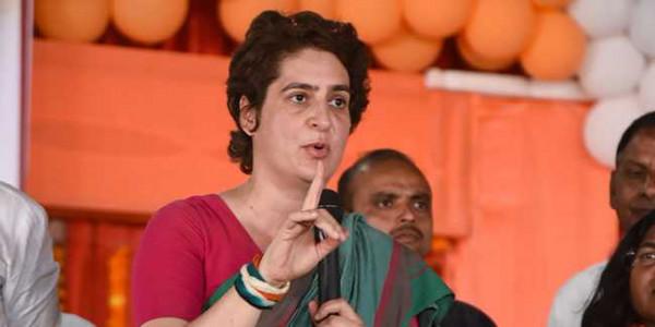 उन्नाव गैंगरेप: बीजेपी नेता ने प्रियंका गांधी की पीड़िता के परिवार से मुलाकात को राजनीति बताया