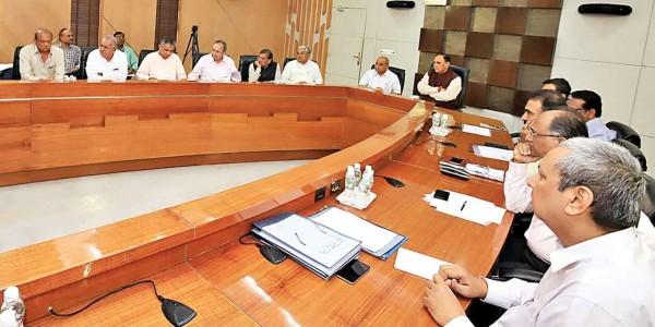 Follow Centre's model in Gujarat budget