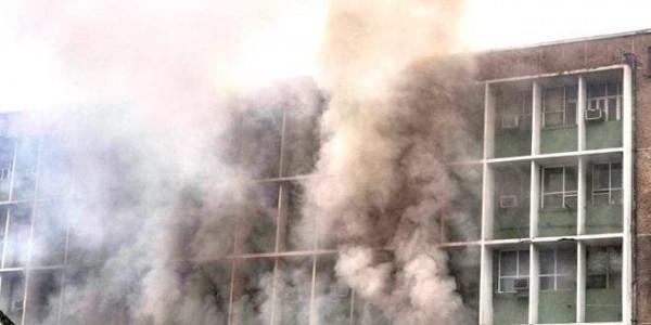AIIMS में आग लगने के बाद अरविंद केजरीवाल ने किया ट्वीट, कहा- दमकल कर्मियों को उनका काम करने दें