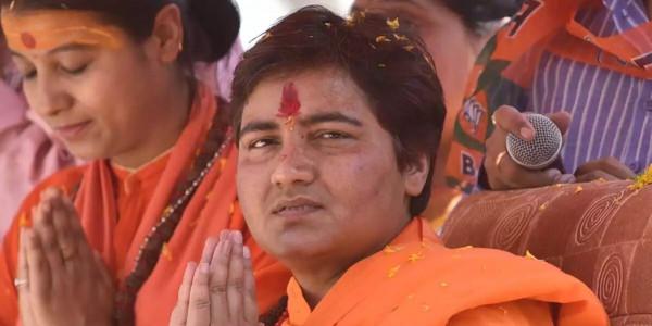 हैदराबाद एनकाउंटर पर साध्वी प्रज्ञा का रिएक्शन- 'यद्यपि शुद्धं लोक विरुद्धम्'