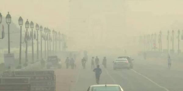 दिल्ली-NCR में जहरीली हुई हवा,सभी इलाकों में AQI 300 के पार