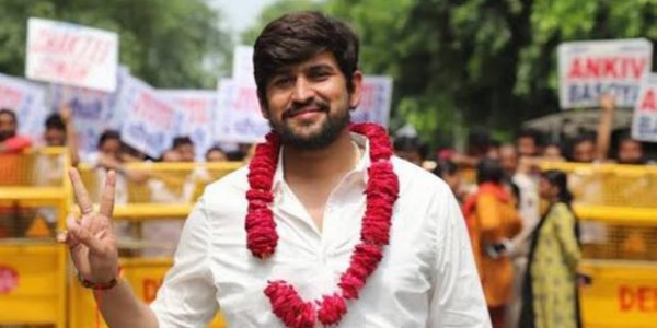 shakti-singh-of-abvp-become-news-president-of-dusu