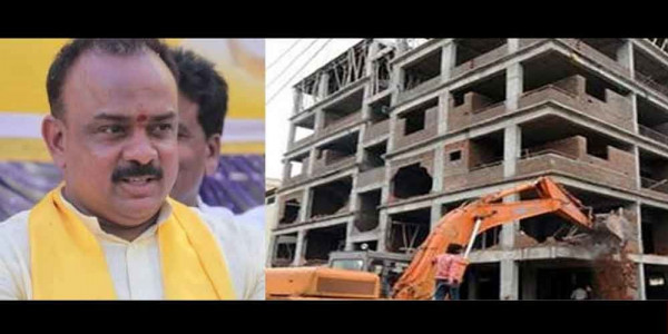 GVMC officials demolish TDP Ex MLA's building in Visakhapatna
