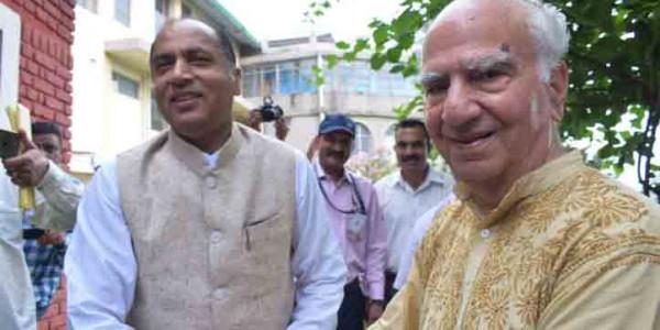 धर्मशाला में भाजपा के तीन उम्मीदवारों के पैनल पर चर्चा, सीएम ने लिया फीडबैक
