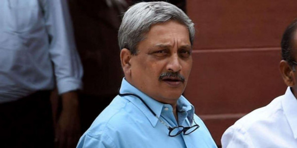 goa-cm-manohar-parrikar-attends-office-for-first-time-in-4-months