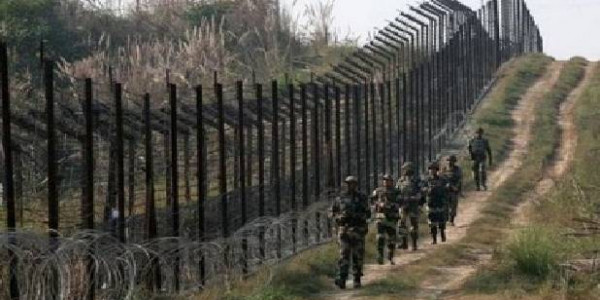 Pakistan troops violate ceasefire in Jammu and Kashmir's Poonch, Indian army retaliates; no casualties reported